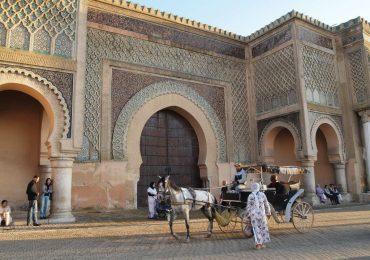Meknes-bab-mansour-lejournaldemaman-min-1024x768